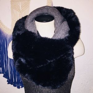 Accessories - Reversible faux fur infinity scarf
